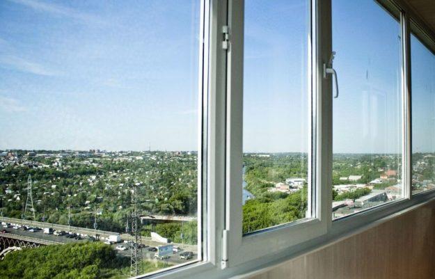 Теплое остекление балкона 6 метров